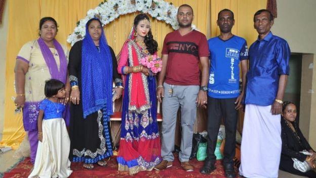 A family photo of the Rafaideen family