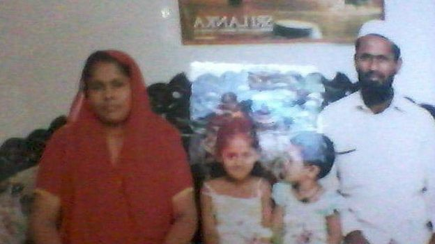 Fathima Rinoza and husband Mohamed Shafeek with their two daughters